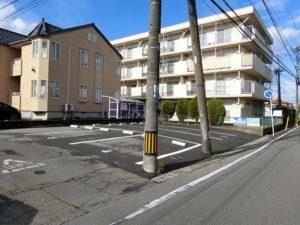 新潟市中央区姥ヶ山6丁目の月極駐車場 少しお得な2台分縦列駐車!『桜ヶ丘パーキングⅡ』