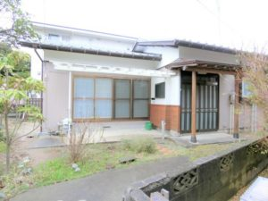 新潟市東区石山3丁目 バス停も駅も近い平屋戸建、屋外物置付き!【石山3丁目貸家(2DK)】